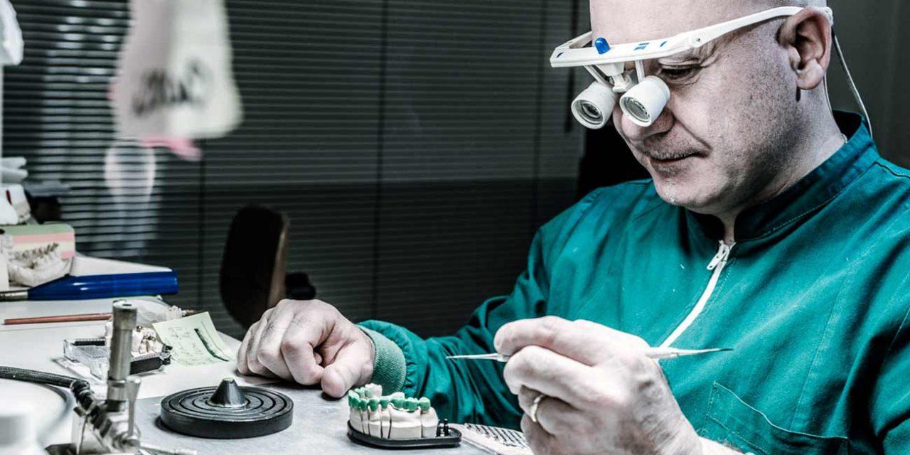 Dentale – Rapporto odontoiatra, odontotecnico, cittadino – Responsabilità professionale e da prodotto difettoso – 1 ottobre a Padova